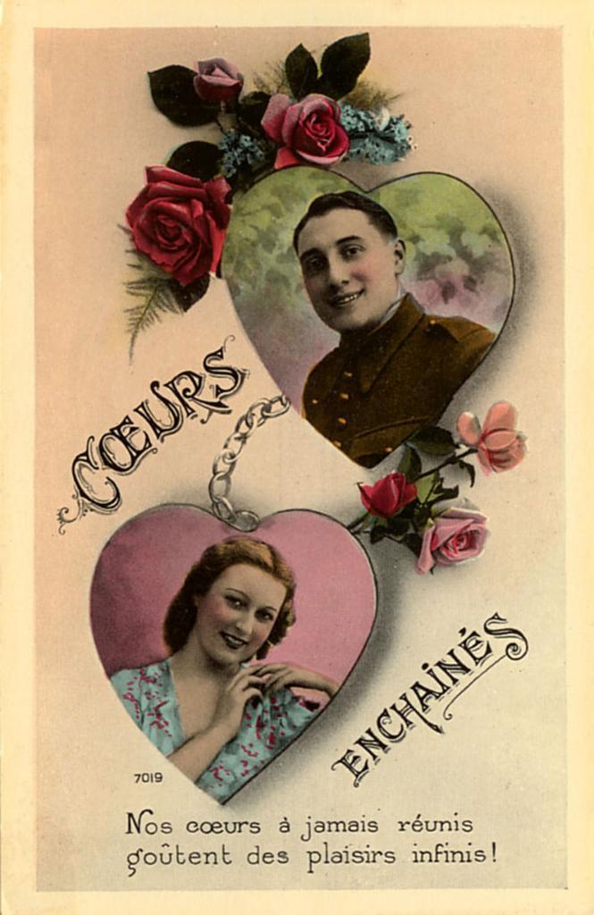 Jeune homme dans un coeur avec de roses rouges posées sur le dessus du coeur
